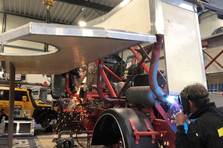 Er wordt ook hard gewerkt aan de constructie van de racetrucks
