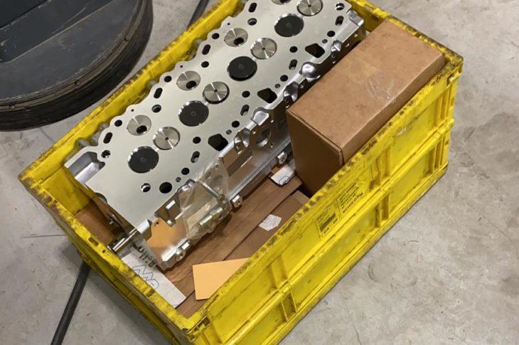 Nieuwe cilinderkop voor Landcruiser is binnen